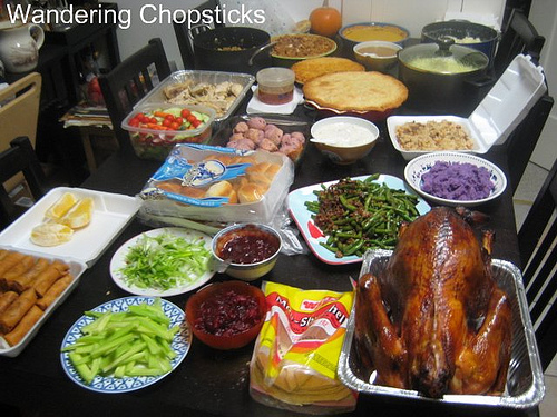 thanksgiving tables sumptuous spreads to be thankful for. Black Bedroom Furniture Sets. Home Design Ideas